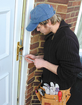 311567-local-locksmith--manchester-greater-manchester-essone-lock-lock-fitting